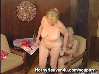 1011 year old granny likes younger cocks!