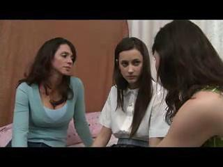 mother shows daughter how to be a lesbo d43