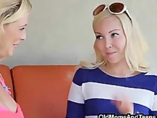 mommy reveals her lesbian secret