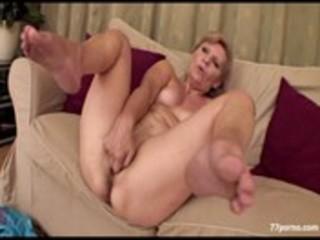 lewd granny masturbate sof&agrave_