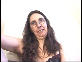 hirsute mommy can vibrators in her ass