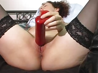 milf gets off on big red sex toy !