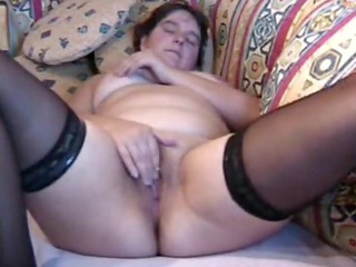 overweight milf masturbates to orgasm