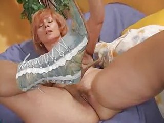 older redhead bangs her loose pussy