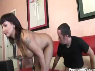 dark brown milf carrie ann shows heer skills