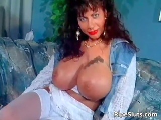 gorgeous mega boobed older slut uses