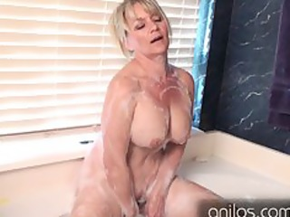 amateur cougar uses toys for full body big o