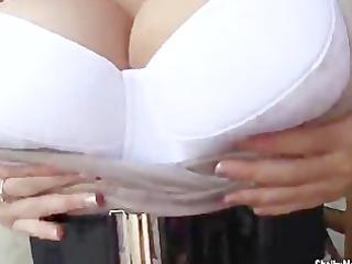 big breasted reader