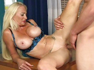 sexy older lady gives amazign head