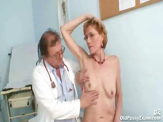 old lady mila visiting gyno doctor for slit