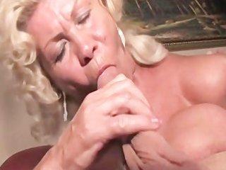 whos bangin your granny 0 - scene 1