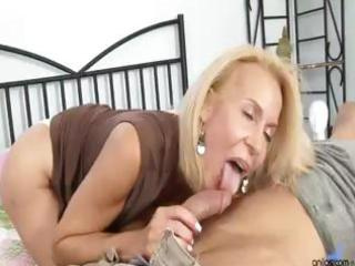 older cougar copulates dude