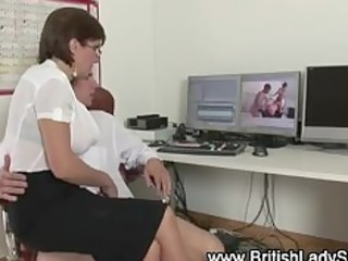 posh brit lady sonia sucks pounder