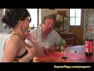 sexy chick sucks papy's cock