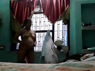 indian aunty megha rani showing her hawt body